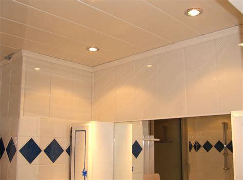 faire une salle de bain dans une chambre plafond en lambris de pvc prix moyen et technique de pose