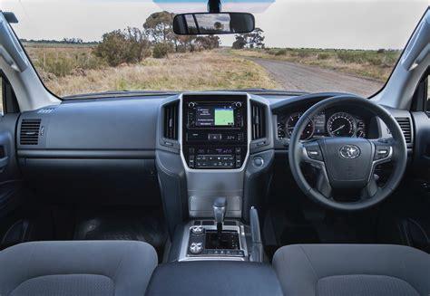 toyota land cruiser sahara  toyota cars review