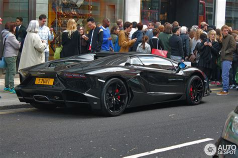 James Stunt Chooses A Aventador Lp720-4 Roadster 50