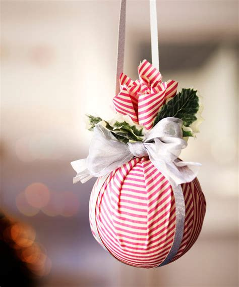 christmas ornament decorating ideas 41 diy christmas decorations christmas decorating ideas