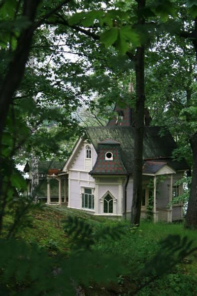 Cute Forest Cottage Drone Fest