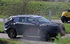 Fiat Chrysler Automobiles : fiat chrysler automobiles is testing a new suv spyshots reveal autoevolution ~ Medecine-chirurgie-esthetiques.com Avis de Voitures