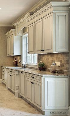 tile kitchen countertops pictures subway travertine mosaic backsplash tile in this kitchen 6167
