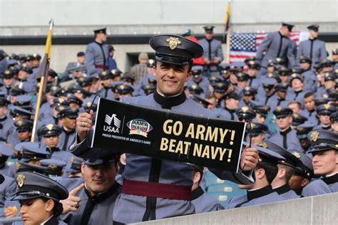 trump plans  attend saturdays army navy game militarycom