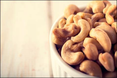 delicious health benefits  cashews reasons