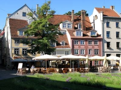 Līvu Laukums (Riga) - Ermak Travel Guide