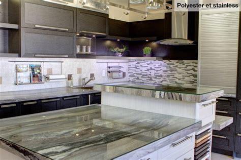 comptoir cuisine corian cuisine nargi cuisine fermée au plafond avec îlot