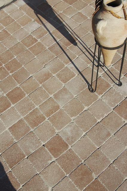 tarif pose carrelage exterieur peut on peindre du carrelage au sol exterieur ciabiz