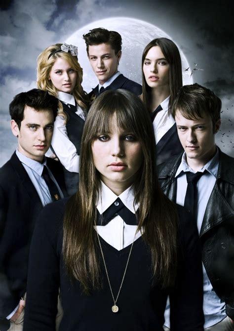 lorena saavedra personajes de la serie split
