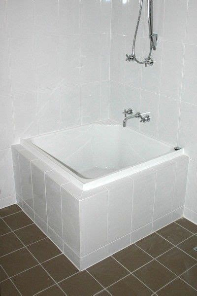 Tub Ideas For Small Bathrooms - showers and tubs for tiny homes small bathroom