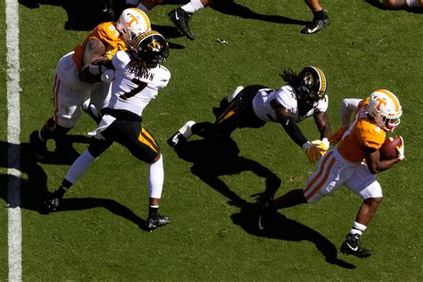 Vols Football: Tennessee moves up in Coaches, AP Top 25 ...