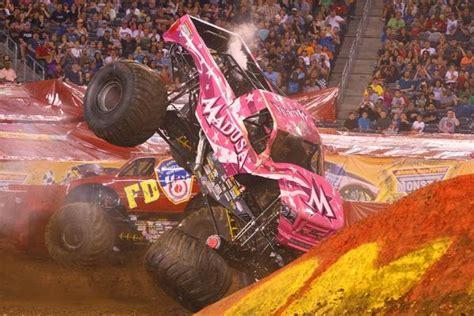 monster truck videos crashes 55 best monster trucks images on pinterest big trucks