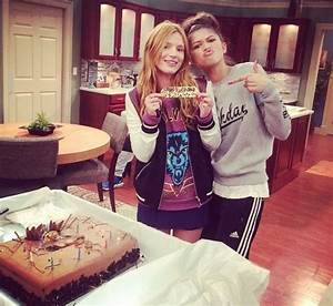 Happy Birthday Avery Bella Thorne On The Set Of Quot Kc Undercover Quot With Bff