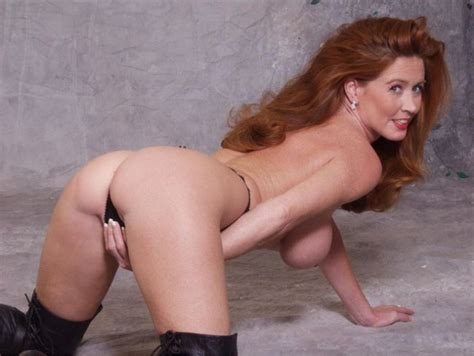 Smokin Hot Redhead Milf Adult Pictures Luscious Hentai And Erotica