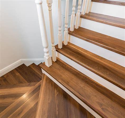 holz für treppenstufen treppenstufen aus holz oder stein fhs treppen fhs