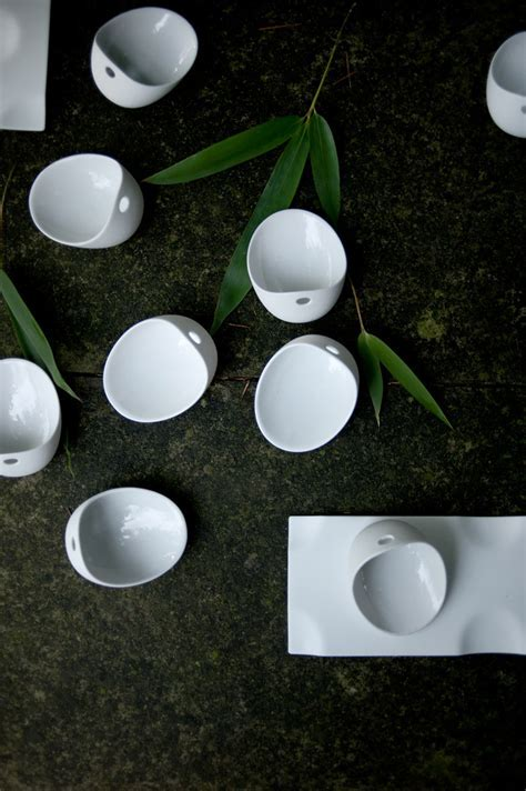 'Jomon' a set of bowls and trays by Cookplay   Tododesign
