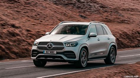 You must get the wonderful red contrast. 2020 Mercedes-Benz GLE 300d (UK-Spec) - Front Three-Quarter   HD Wallpaper #15