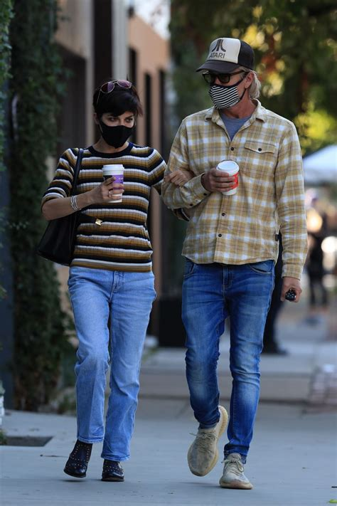 There are no reviews for alfred coffee studio city, california yet. Selma Blair at Alfred's Coffee in Studio City 10/27/2020 • CelebMafia