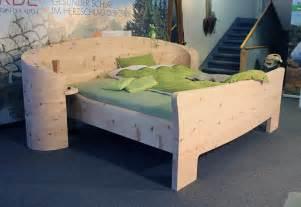 wohnideen schlafzimmer moderne zirbenholz massivholz bett möbelhaus messmer einrichtung schlafzimmer holz möbel modernes