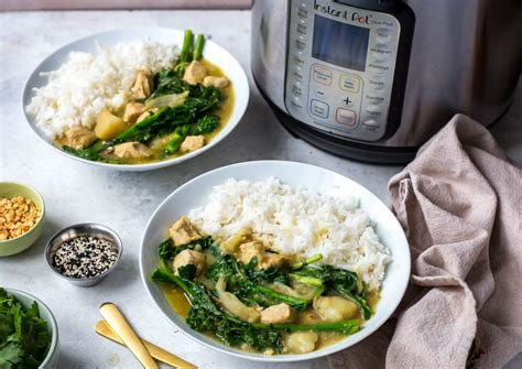 thai kitchen green curry paste chicken recipe instant pot thai green curry with broccoli rabe chicken 9792
