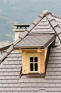 Lucarne De Toit : lucarne sur le toit photo stock image du culture grenier ~ Melissatoandfro.com Idées de Décoration