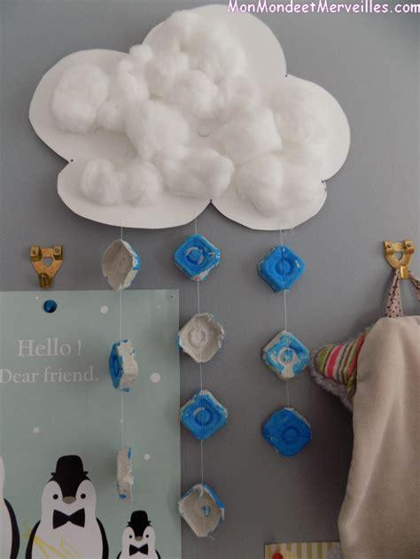 decoration nuage chambre bébé activité manuelle quot l 39 est un jeu d 39 enfant quot gouttes et