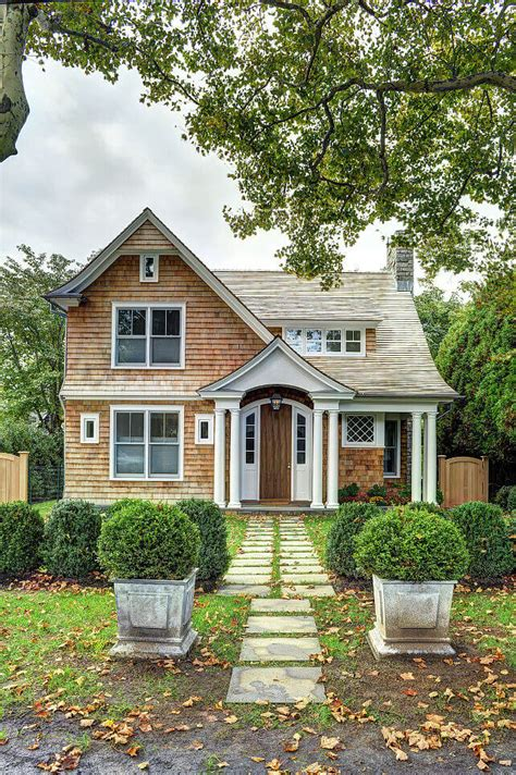 cedar shingles roof   colonial home remodeling cost