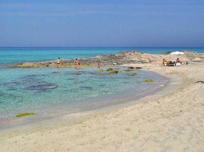 playas paradisiacas en formentera vacaciones sin agobios