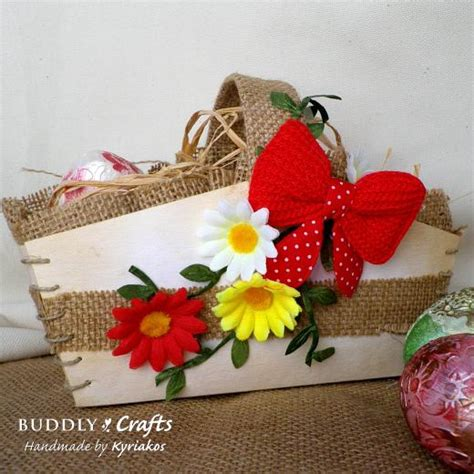 Whether you want to set up a crafts table at an easter party or create some diy decor in advance, these simple crafts won't. Kraft-Tex Easter Basket | Buddly Crafts