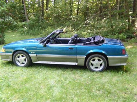 buy   ford mustang gt convertible  gaylordsville