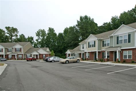 randall place apartments