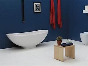 Freistehende badewanne im bad 50 gestaltungsideen for Freistehende badewanne keramik
