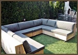 Couch Selber Bauen : lounge sofa garten selber bauen kunstrasen garten ~ Whattoseeinmadrid.com Haus und Dekorationen