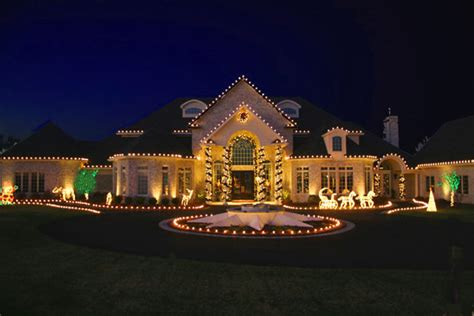 christmas light installation from greenscapes lawn care