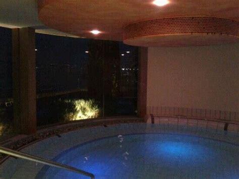 centro benessere con vasca idromassaggio in entrata terme picture of centro benessere termale
