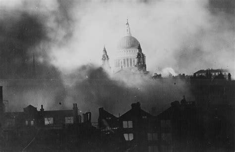 Haz tu selección entre imágenes premium sobre london fire de la más alta calidad. Marking 75 Years Since The Second Great Fire Of London ...
