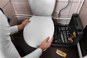 Wc Sitz Absenkautomatik Montage : wc sitz montieren in 3 schritten den neuen wc sitz einbauen ~ Markanthonyermac.com Haus und Dekorationen