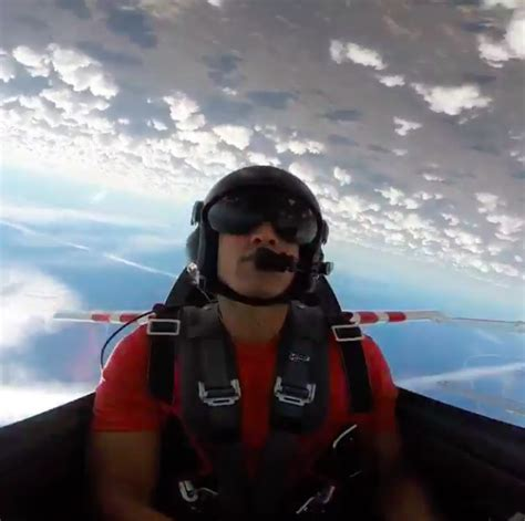 Jimmy Graham Pilot by Wut Rt Fieldgulls Jimmy Graham Is A Stunt Pilot In His