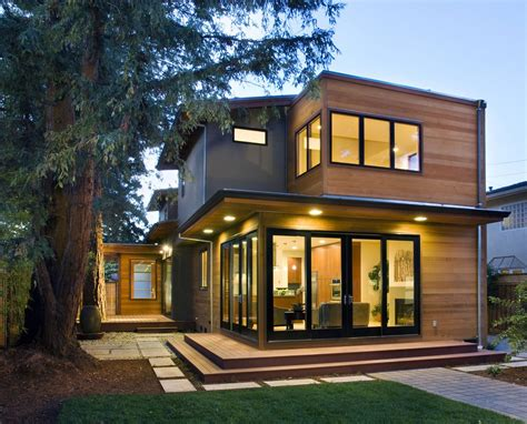 Modern Houses : Modern Home Is Inviting And