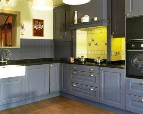 cuisine bleue et blanche cuisine bleu foncé bois bleue foncé en bois cuisine