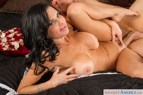veronica avluv and clover in seduced by a cougar seduced