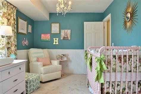 chambre bébé bleu canard 1001 idées pour une chambre bleu canard pétrole et paon