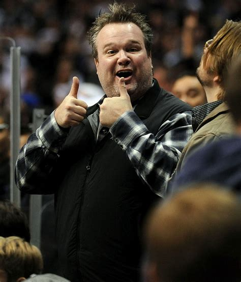 eric stonestreet football team 30 best famous fans images on pinterest la kings hockey