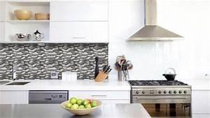 du carrelage adhesif pour relooker vos murs With recouvrir du carrelage de cuisine
