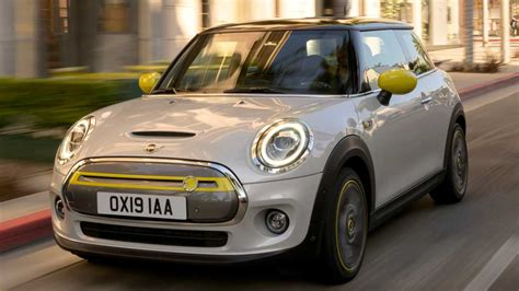 mini cooper se revealed     miles  range