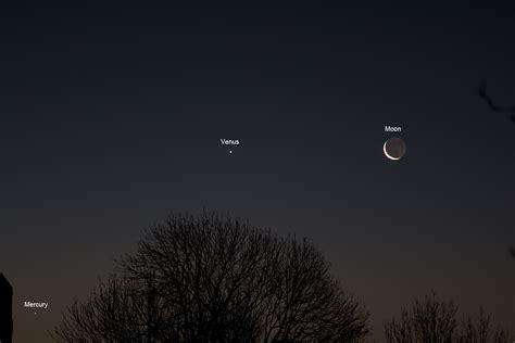 Planetary alignment – Mercury, Venus and Moon | Astro-photo
