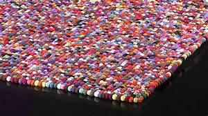 Tapis 100 boules de laine multicolores tapis laine haut for Tapis boules multicolores