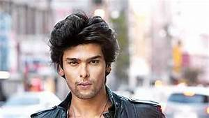 Hrithik and Kushal Tandon make Sunaina Roshan proud