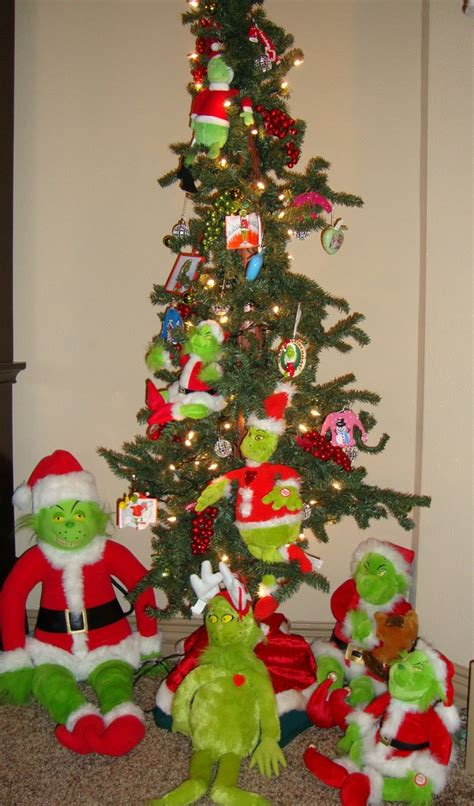 grinch s on my small tree holidays pinterest small