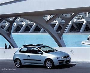 Fiat Stilo 2002 : fiat stilo 3 doors specs 2001 2002 2003 2004 2005 2006 autoevolution ~ Gottalentnigeria.com Avis de Voitures